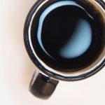tasse de café vue de dessus en gros plan